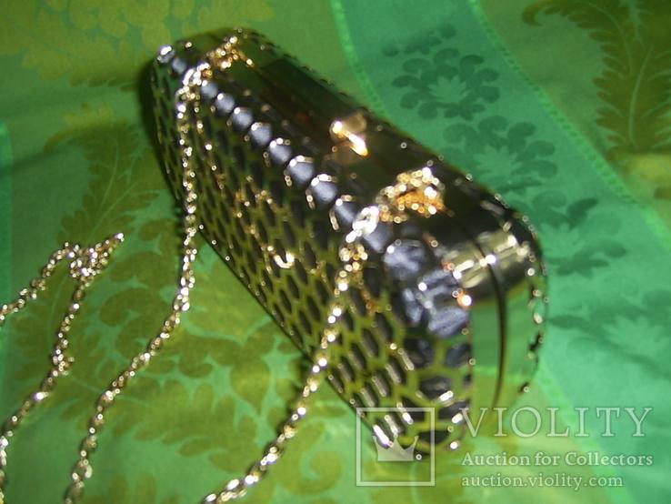Сумочка на цепочке с позолоченным каркасом, фото №9