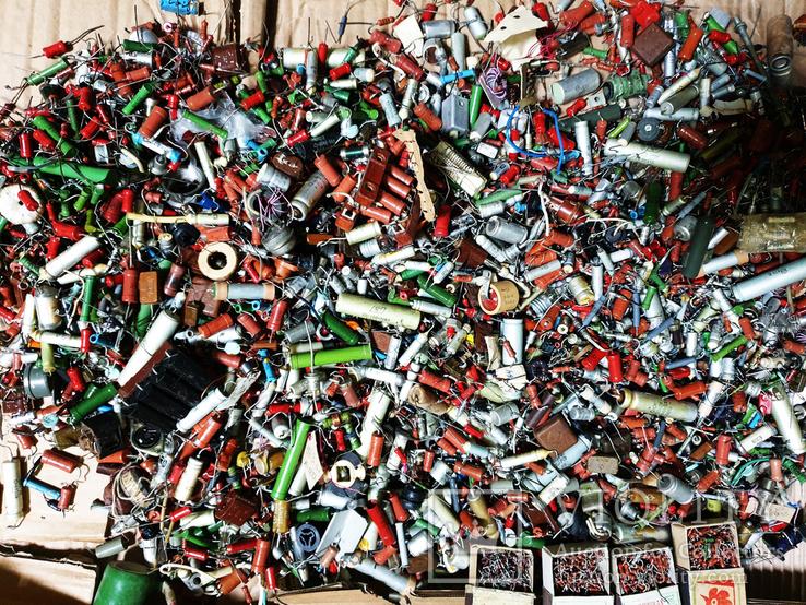 Мега лот более 30 кг Конденсаторов Транзисторов Резисторов Плат Колонок, фото №4