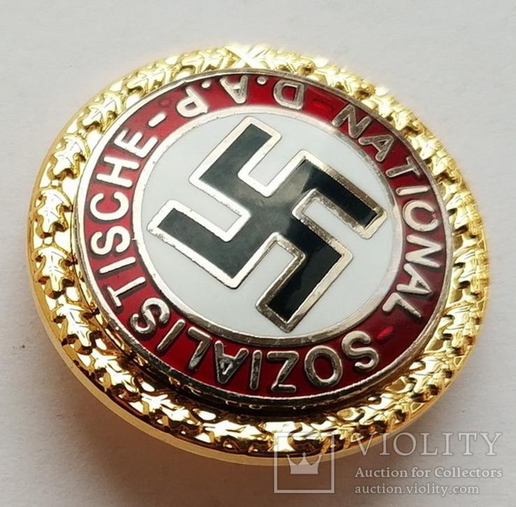 Германия. Третий Рейх. Золотой Партийный значек члена НСДАП (копия), фото №3