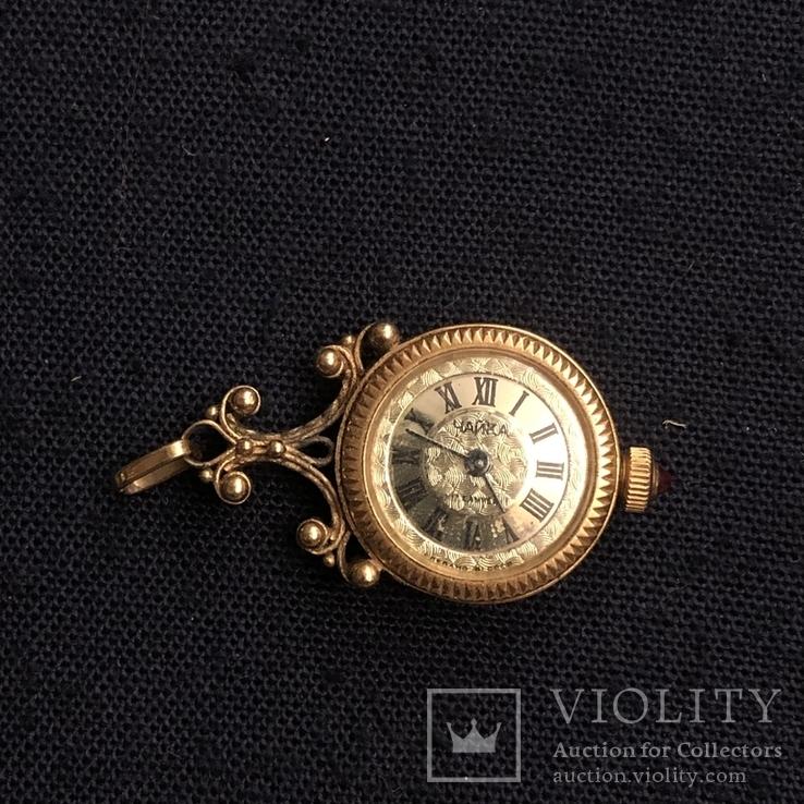 Часы-кулон Чайка в позолоте