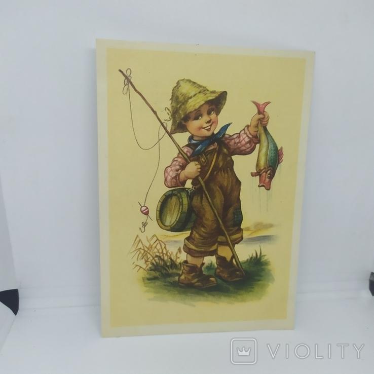 Открытка ГДР. Мальчик рыболов. Рыбалка. чистая, фото №2