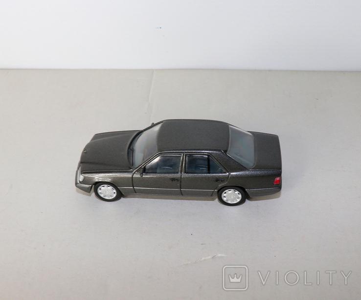 Модель Mercedes benz E320 herpa model 1:43 раритет, фото №6