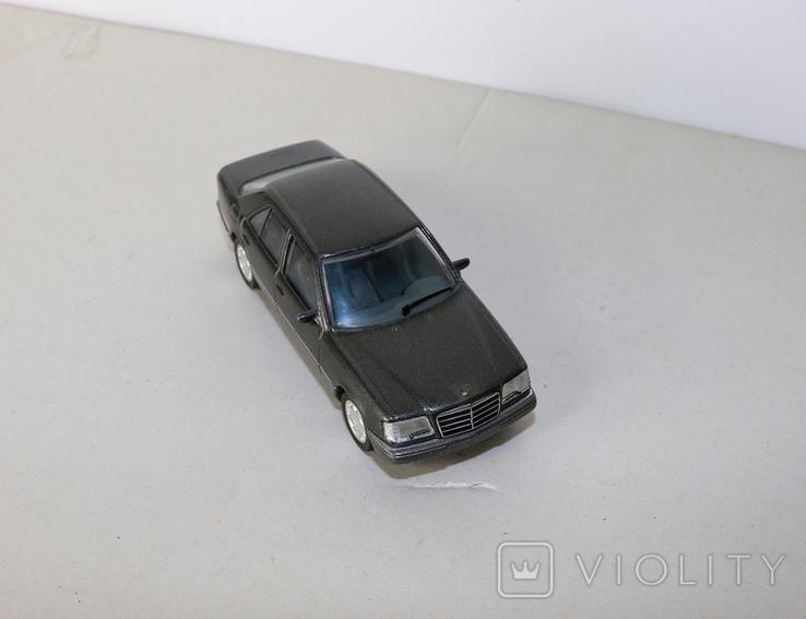 Модель Mercedes benz E320 herpa model 1:43 раритет, фото №7