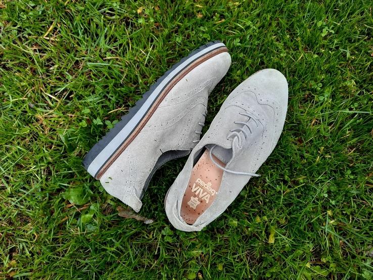 Жіночі черевики.