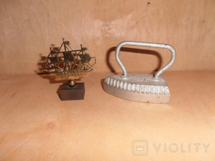 Декоративный утюжок и кораблик с Адмиралтейства, фото №2