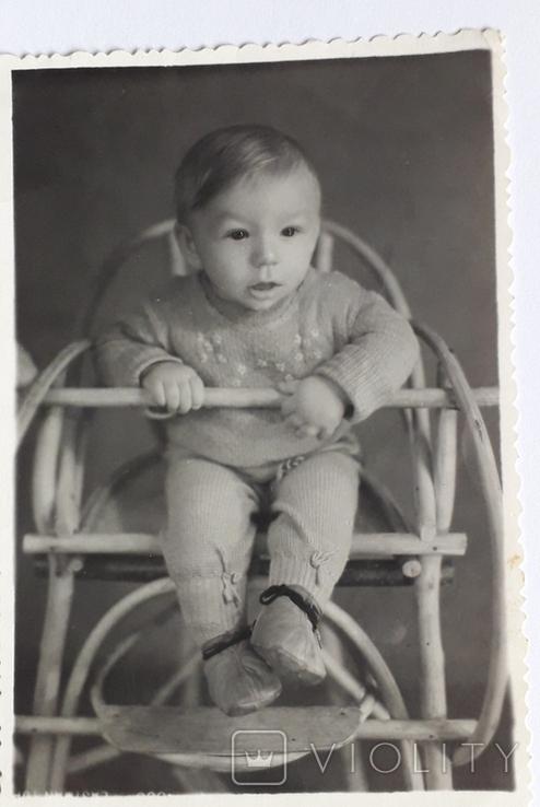 "Фотография ""На стульчике "" (7.8*11.8), фото №3"