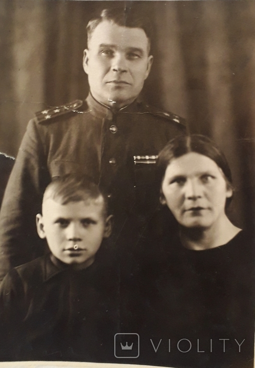 """Фотография """"Полковник с семьей""""  (11*15), фото №3"""
