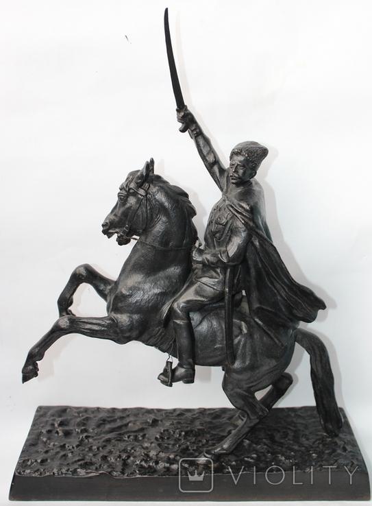 «В. И. Чапаев на коне» скульптор Баландин Н. А. Касли 1951г.