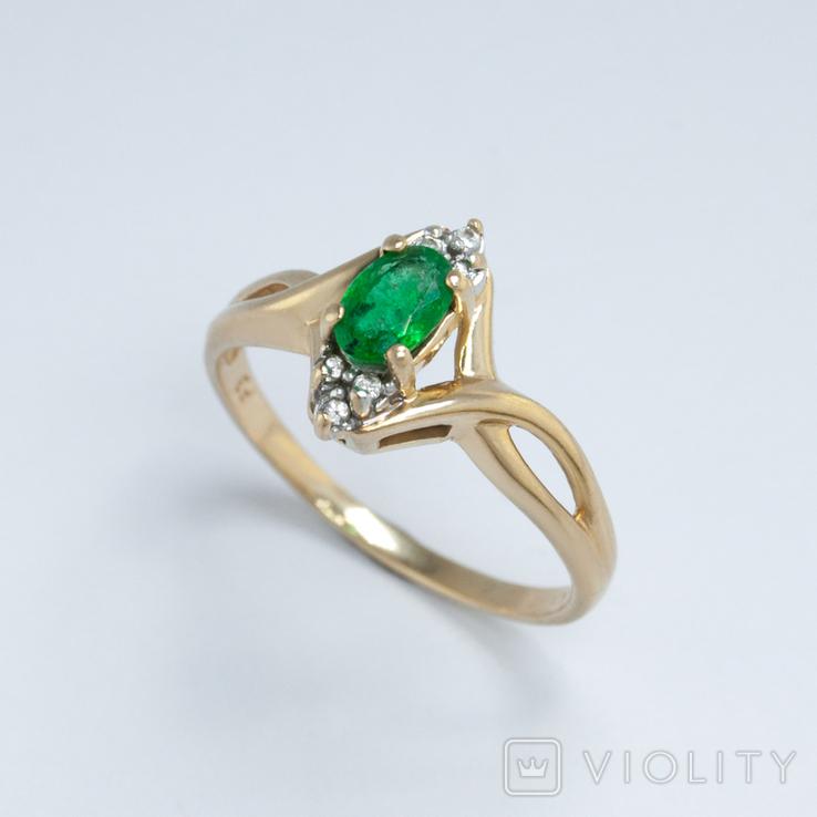 Винтажное золотое кольцо с натуральным изумрудом и бриллиантами