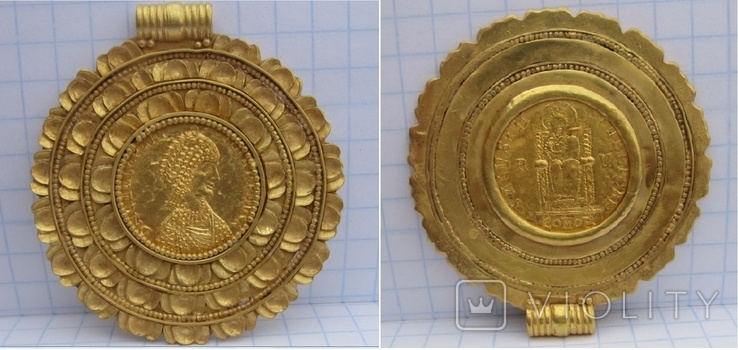Золотой медальон с изображением августы Галла Плацидия. Копия., фото №2