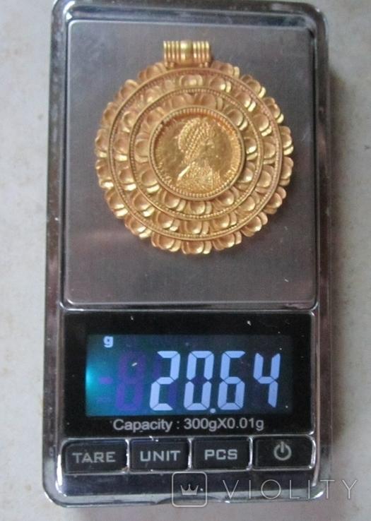 Золотой медальон с изображением августы Галла Плацидия. Копия., фото №3