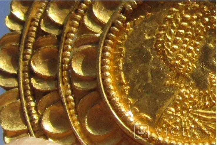 Золотой медальон с изображением августы Галла Плацидия. Копия., фото №5