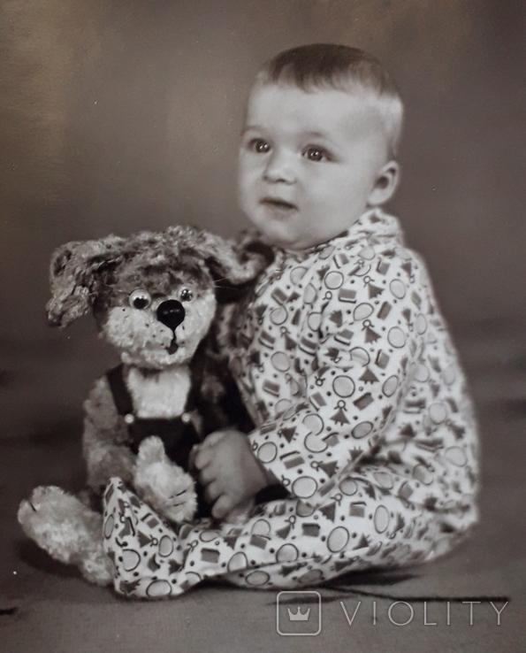 Мальчик с игрушкой  (11.5*17.5), фото №3