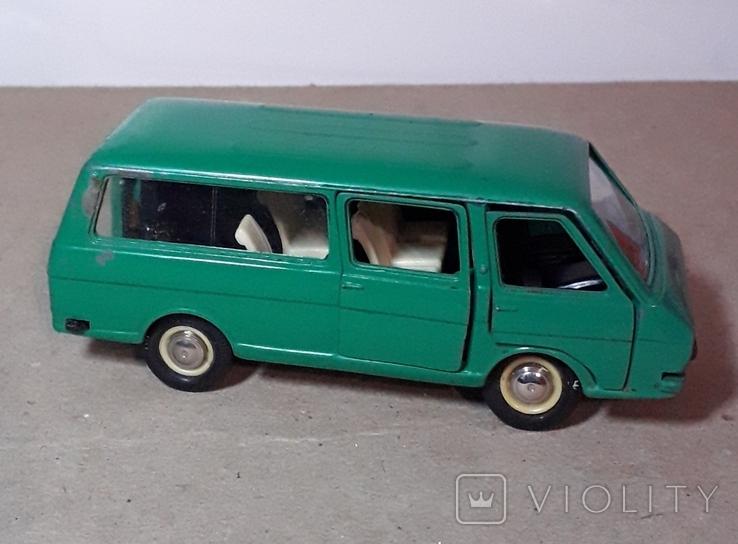 Модель машинки РАФ 2203 Сделано в СССР, фото №10