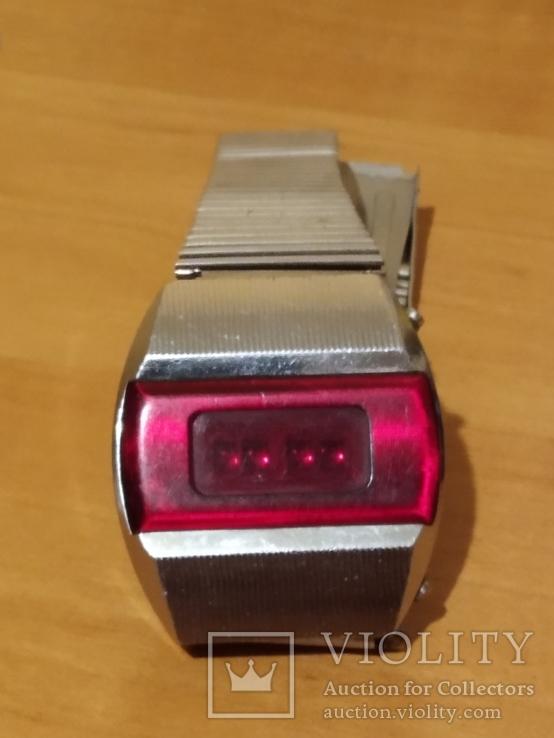 Часы электроника ( терминатор)