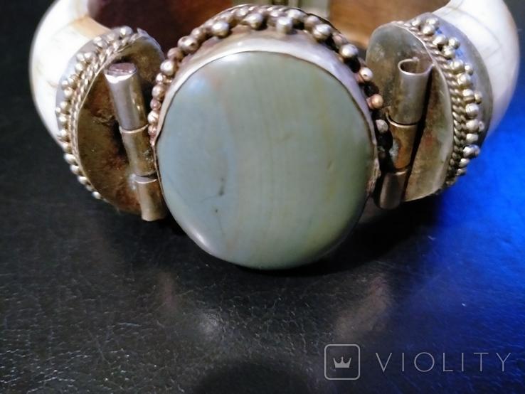 Браслет из бивня моржа, латунными креплениями и камнем, фото №2