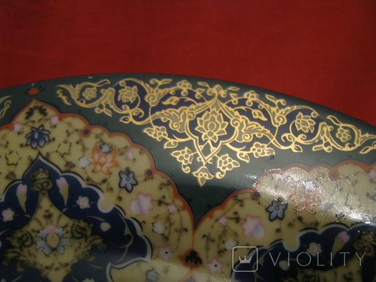 Декоративное настенное блюдо - Восточный мотив - фарфор - диаметр -27,5 см., фото №7