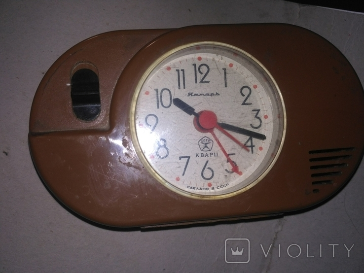 Часы КВАРЦЕВЫЕ ЯНТАРЬ с знаком качества СССР с будильником., фото №2