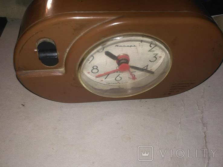 Часы КВАРЦЕВЫЕ ЯНТАРЬ с знаком качества СССР с будильником., фото №3