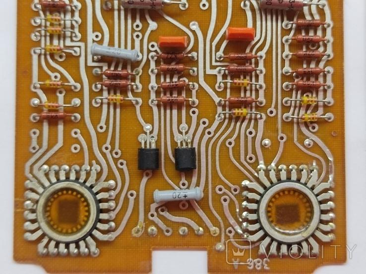 Платы с микросхемами и другими радиодеталями, фото №8