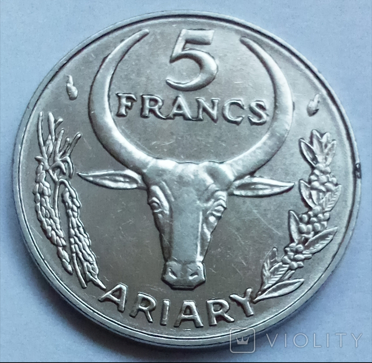 5 франков 1981 г. Мадагаскар, фото №2