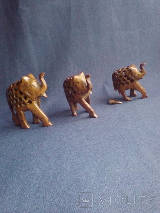 """Композиция """"Три слона с поднятыми хоботами"""" - символ процветания. Резьба по дереву, фото №5"""