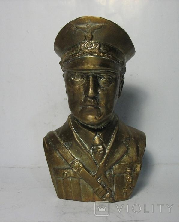 Бюст Адольф Гитлер, материал бронза и накладки Люгер Р-08.  копия, фото №3