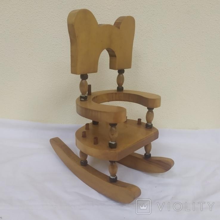 Деревянный стульчик-подставка для бутылки. Высота 27см, фото №2