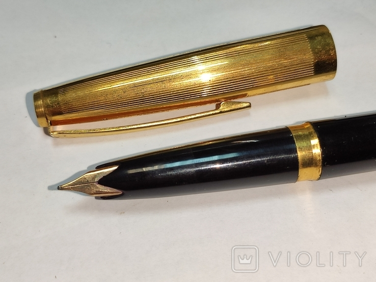Ручка с золотым пером. Цена 15-70., фото №2