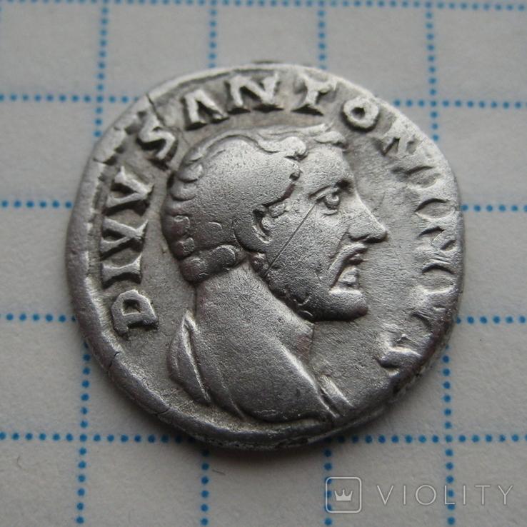 Денарий, Антоний Пий (реверс - погребальный костер), фото №2