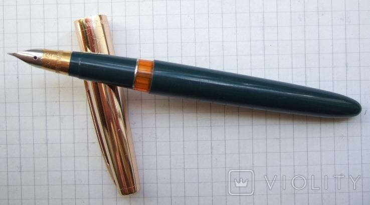 """Перьевая ручка """"Hero-330"""". Пишет довольно мягко, тонко и насыщенно."""