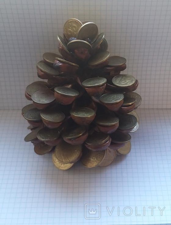 Кедровая шишка из монет, фото №2