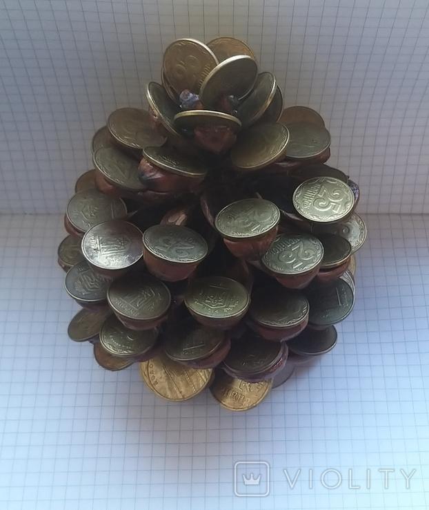 Кедровая шишка из монет, фото №3