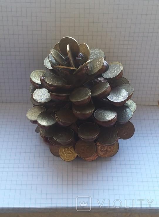 Кедровая шишка из монет, фото №5