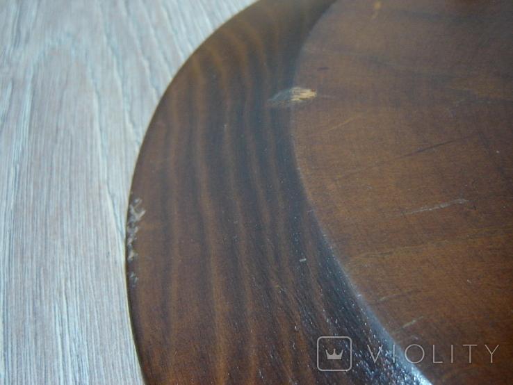 Резная настенная тарелка с латунными вставками, фото №9