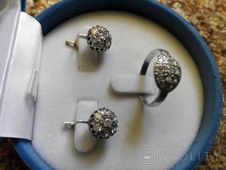 Серебряный комплект кольцо и серьги с камнями, фото №3