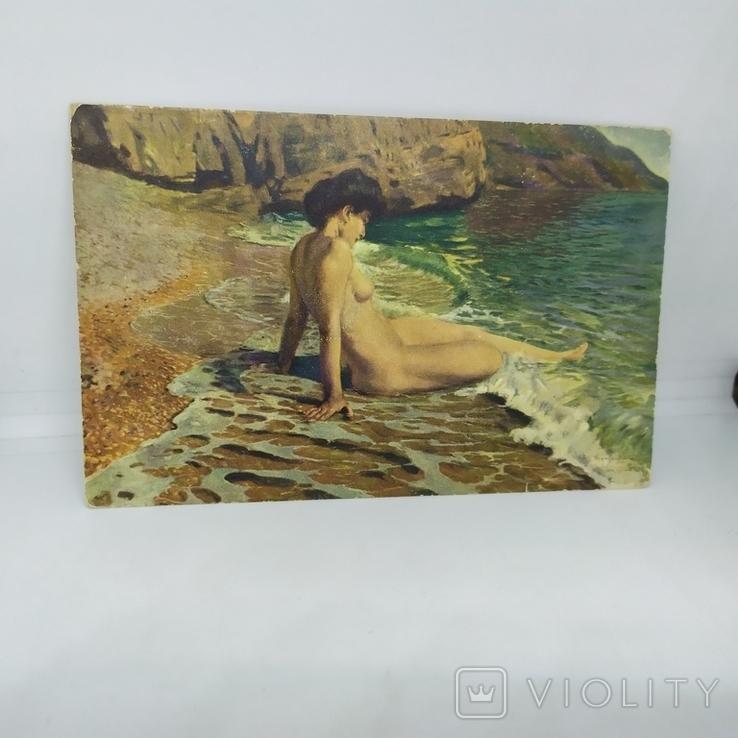 Открытка НЮ. Обнаженная девушка на берегу моря, фото №2