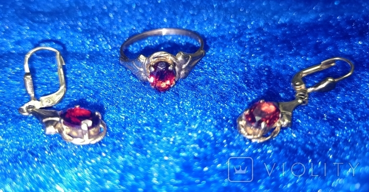 Комплект кольцо и серьги  золото. гранаты., фото №3