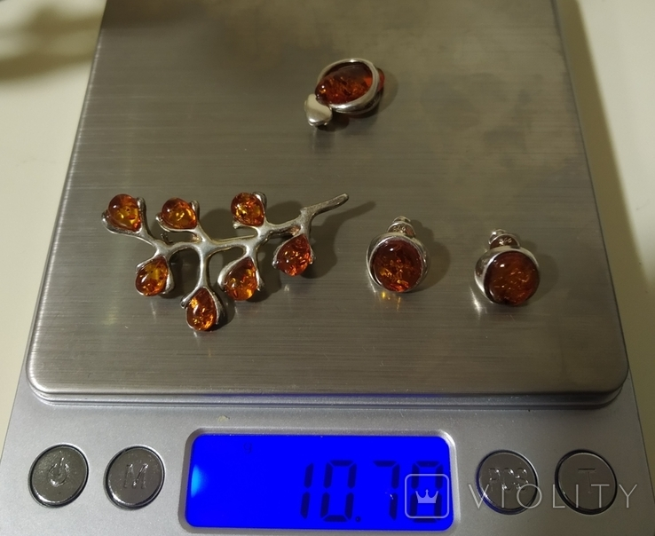 Винтажные серебряные сережки, кулон и брошь во вставками янтарного цвета, фото №3
