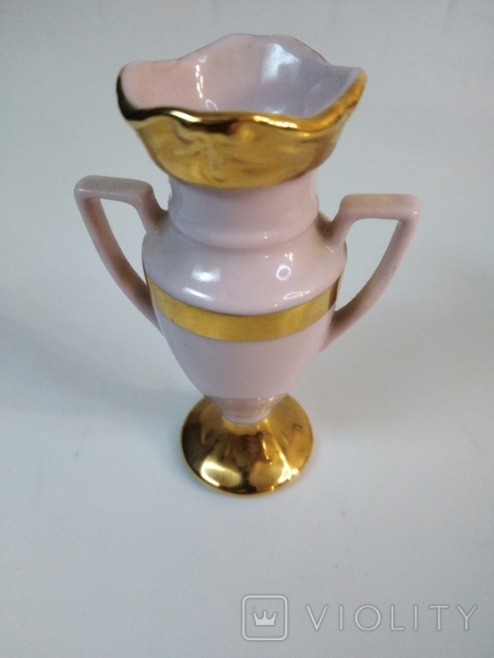 Амфора из розового фарфора. Чехия, фото №2