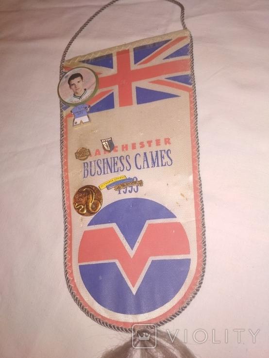 Вымпел 90-х годов со значками Manchester business games 1993