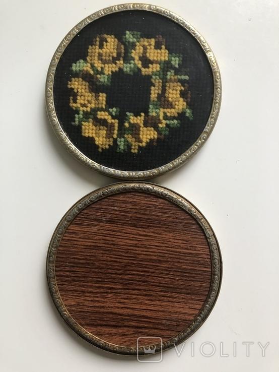 Две  старые подставки, вышивка шерстью. Германия, фото №3