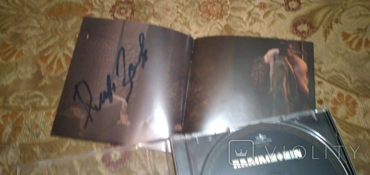 """Диск Rammstein с автографами группы, альбом """"Liebe ist für alle da"""", фото №3"""