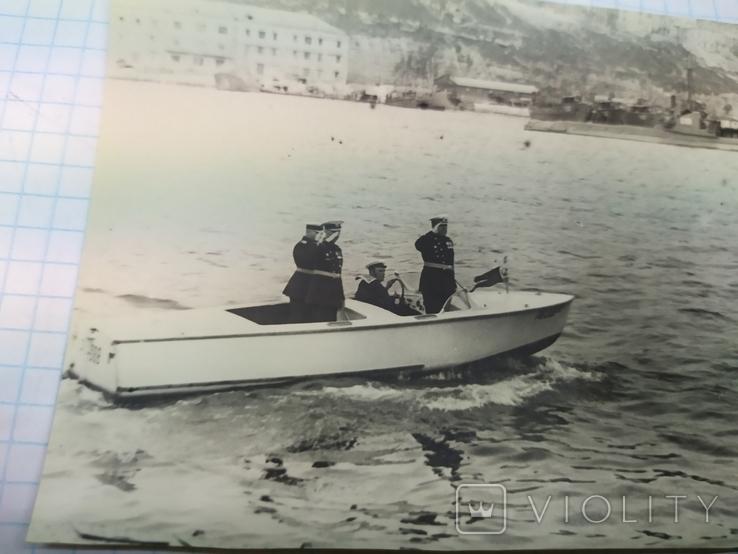 1950 Севастополь. Комбриг обходит строй подводных лодок в Южной бухте, фото №3