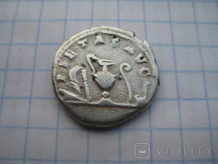 Денарий, Марк Аврелий (реверс - жертовный набор), фото №9