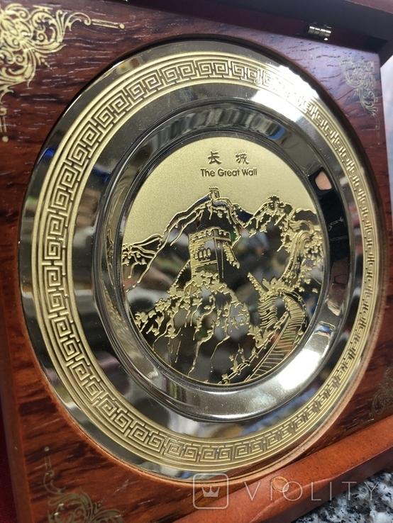 Металическая тарелка Великая китайская стена с деревянной подставке, фото №4