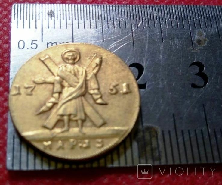 2 рублі золотом 1751 року . Копія - не магнітна позолота 999, фото №2