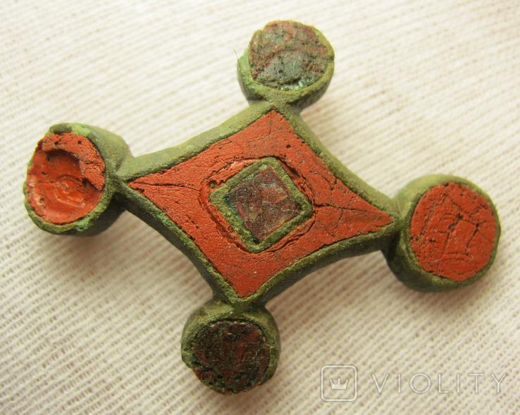 Крестообразная накладка ,киевская культура
