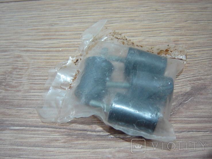 Ножки пластиковые с резьбовым стержнем, фото №3