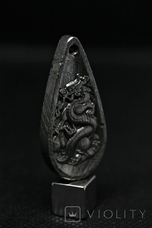 Двосторонній кулон із метеорита Aletai, кулон Дракон, із сертифікатом автентичності, фото №2